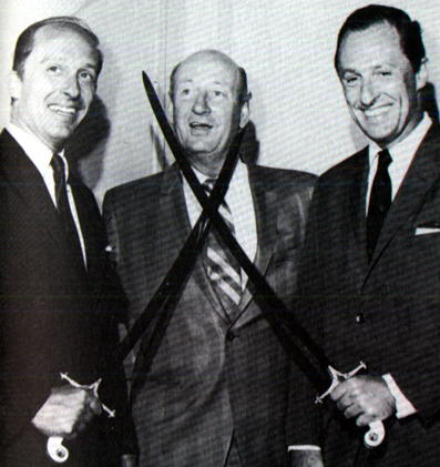 Punch Imlach con i due storici proprietari dei Buffalo Sabres: Norty e Seymour Knox.